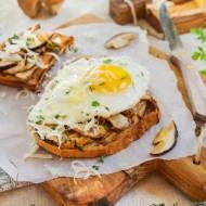 Kanapki z borowikami i jajkiem