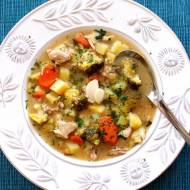 Zupa brokułowa z indykiem