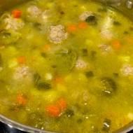 Jesienna zupa klopsikowa