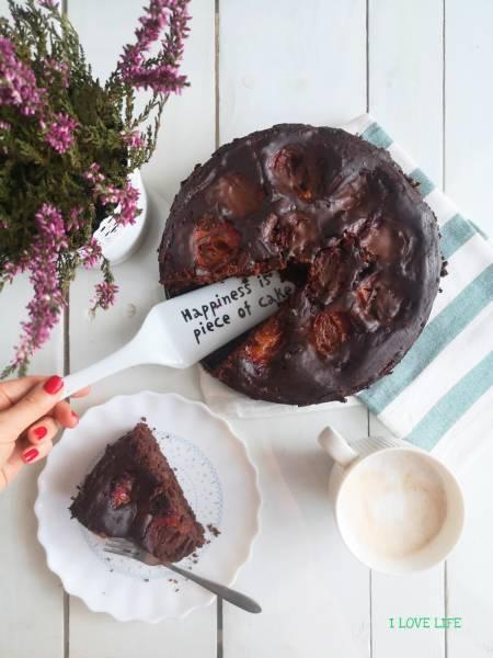 Ciasto czekoladowo – orzechowe ze śliwkami
