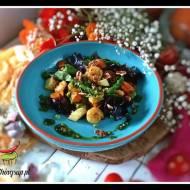 Sałatka ze szparagami, gruszką i krewetkami