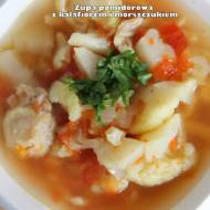 Zupa pomidorowa z kalafiorem i morszczukiem