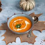 Pikantna zupa warzywna z masłem orzechowym
