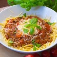 Spaghetti z mieloną wołowiną i czerwonym winem