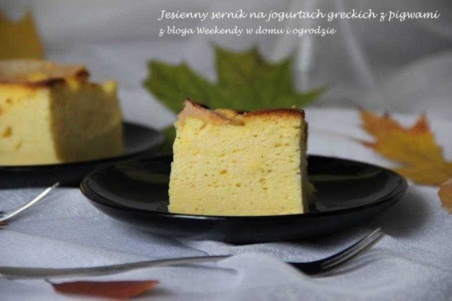 Jesienny sernik na jogurtach greckich z pigwami