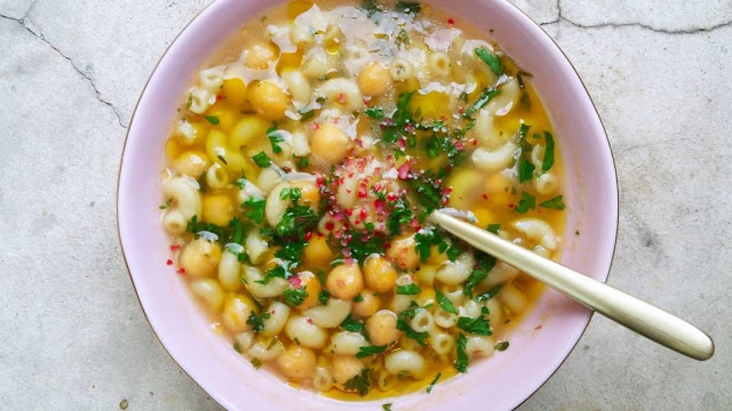 Wegetariańska zupa z ciecierzycy