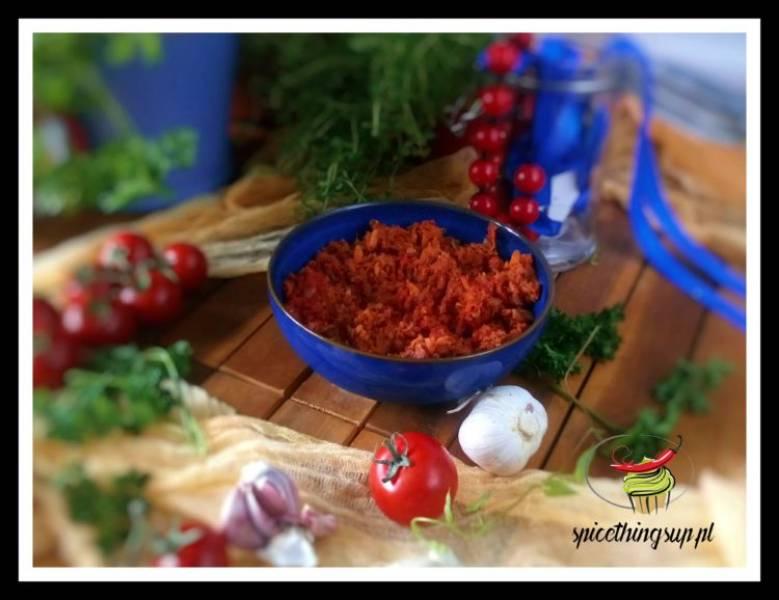Rybna pasta z czerwonym ryżem