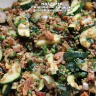 Kaszotto z boczkiem i zielonymi warzywami