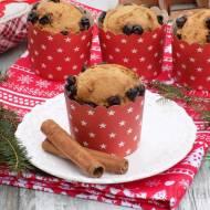 Muffinki piernikowe z cynamonem i kandyzowaną czarną porzeczką