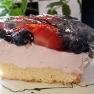 Ciasto z owocami i pianką truskawkową