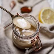 Kremowy cytrynowy sos sezamowy z tahini