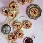 Róże karnawałowe z ciasta faworkowego