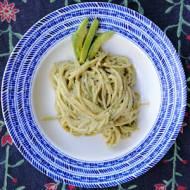 Meksyk - Spaghetti z salsą z awokado (Pastas con salsa de aguacate)