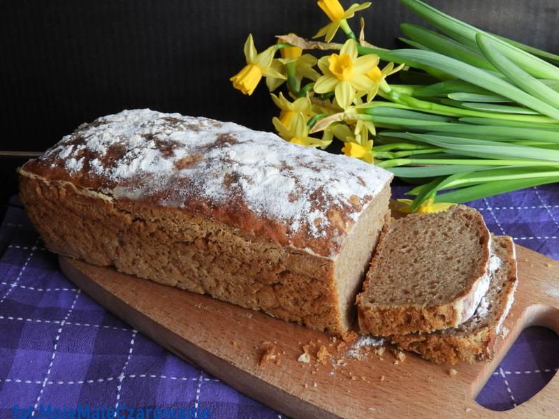 Chleb żytni na zakwasie z lodówki