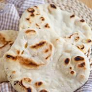 Domowe chlebki pita z patelni. Faszeruj tak jak lubisz! PRZEPIS
