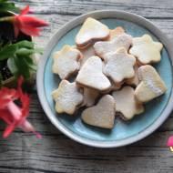 Kruche ciasteczka cytrynowe z marmoladą