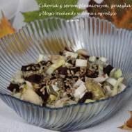 Cykoria z gruszką, burakiem i serem pleśniowym
