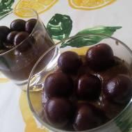 Mus czekoladowy z czereśniami