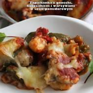 Zapiekanka z gnocchi, kurczakiem i warzywami w sosie pomidorowym