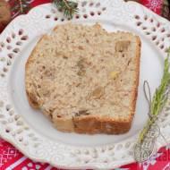 Cynamonowy drożdżowy chlebek z orzechami