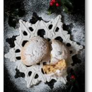 Mini Stollen, czyli mini wersja strucli bożonarodzeniowej z marcepanem, twarogiem i bakaliami