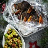 Kaczka pieczona z gruszką i brukselką – świąteczny obiad
