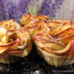 Różyczki z jabłkami i czekoladą