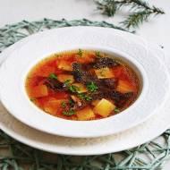 Rosół grzybowy z łazankami. Doskonały na świąteczny obiad. PRZEPIS