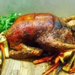 Świąteczny obiad: Jak dobrze upiec kaczkę – nasz sprawdzony przepis
