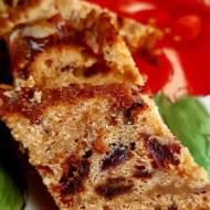Tort migdałowo-miodowy z suszonymi żurawinami