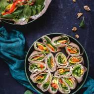 Wrapy gryczane z kozim serem i pesto – rollsy z bezglutenowych naleśników gallette