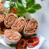Roladki z tortilli z pomidorową pastą z makreli