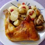 Pieczone udka kurczaka z żurawiną, topinamburem i pieczarkami