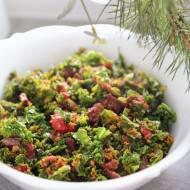 Sałatka z jarmużu – prosta i smaczna