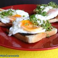 Tosty z awokado i jajem sadzonym na wodzie
