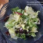 Mix sałat z jabłkiem i ogórkiem do obiadu