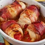 Roladki paprykowe z kurczaka zawijane w boczku. PRZEPIS