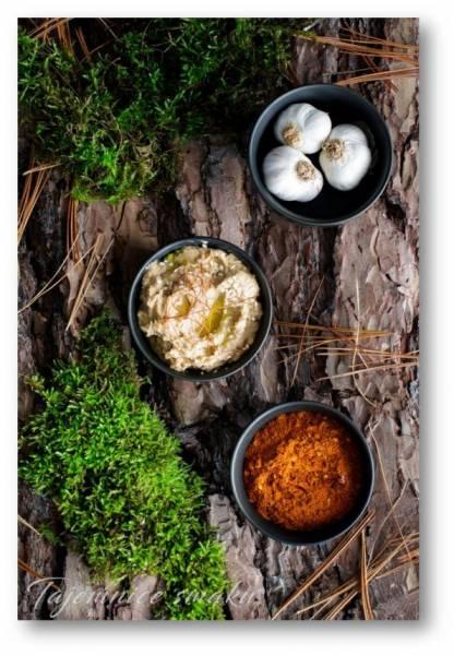 Hummus z grzybami, harissą i oliwą truflową