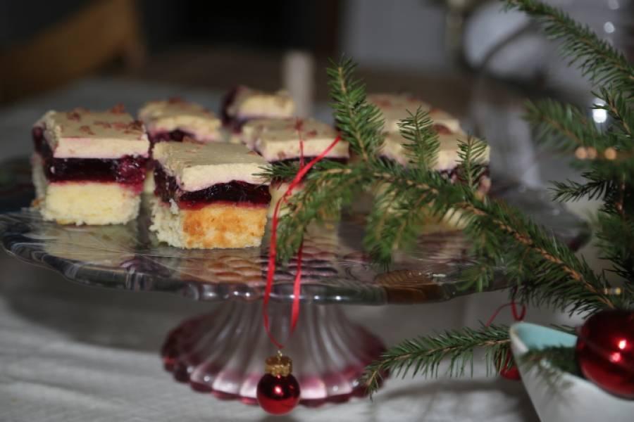 Ciasto z wiśniami i ajerkoniakiem