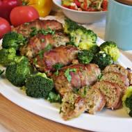 Pieczone roladki z mięsa mielonego z brokułem