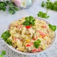 Sałatka z ryżem, ananasem i kurczakiem
