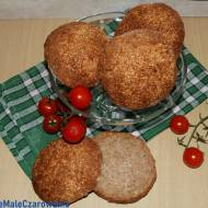 Bułki hamburgerowe razowe z estragonem i sezamem na zakwasie
