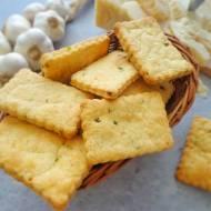 Krakersy z czosnkiem i szczypiorkiem (Cracker all'aglio e erba cipollina)