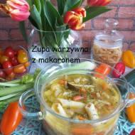 Zupa warzywna z makaronem