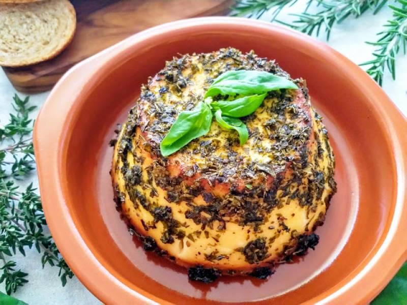 Pieczona ricotta z ziołami (Ricotta al forno con erbe aromatiche)