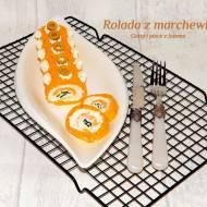 Rolada marchewkowa z serkiem hochland i szczypiorkiem