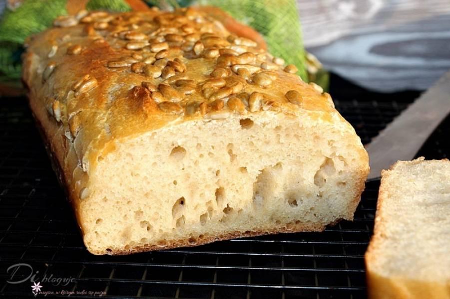Najprostszy chleb pszenny bez wyrabiania (tylko kilka składników!)
