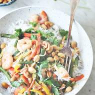 Satay, krewetki, orzechy ziemne i ryż czyli obiad po azjatycku