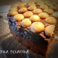 Tort czekoladowo - kawowy z nutą powideł