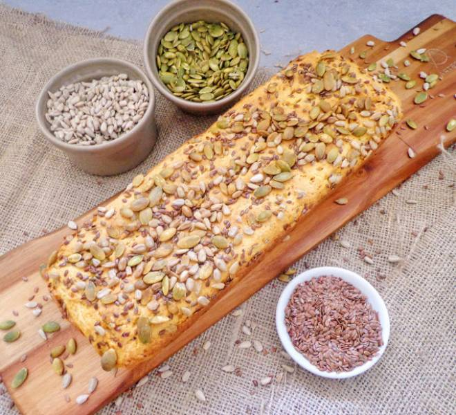 Chleb z ziemniakami i ziarnami, bez wyrastania (Pane di patate con semi, senza lievitazione)